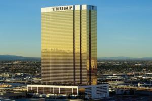 Trump International Hotel Las Vegas med guldbelagte vinduer